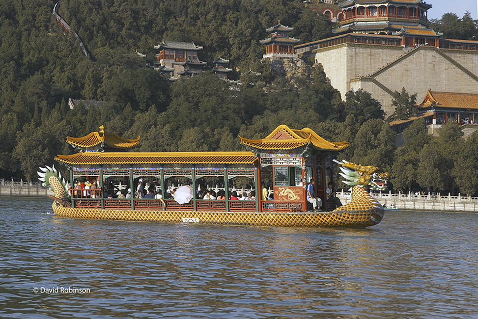 Ferry-on-South-Lake-at-the-Summer-Palace-near-Beijing